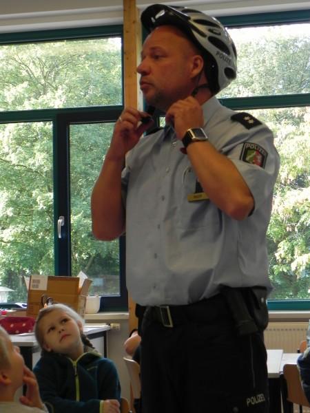 Schulweg Polizei2