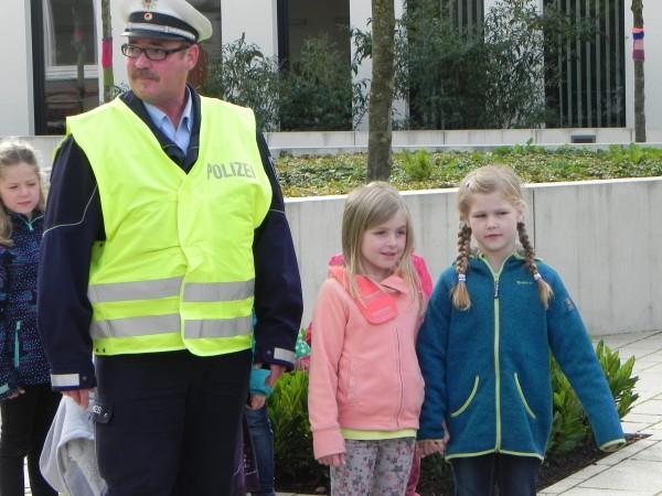 Schulweg Polizei3